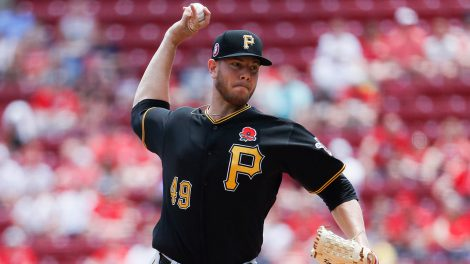 MLB-Pirates-Kingham-pitches-against-Reds