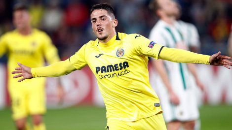 Soccer-Villarreal-Fornals-celebrates-after-scoring