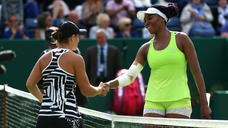 ashleigh-barty-shakes-hands-with-venus-williams